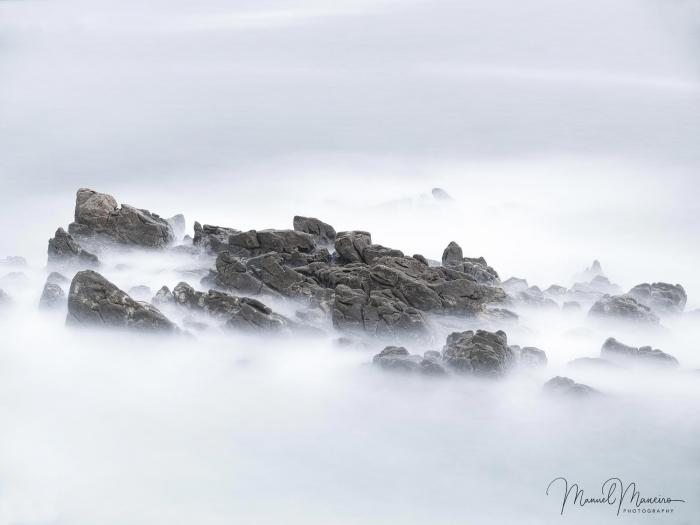 1423 Minimalist Seascape Photography ©Manuel Maneiro